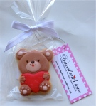 Bear hug cookie. Size: 7 x 5.5cm